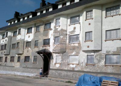 Fases de rehabilitación de edificio en Brañilin-Pajares