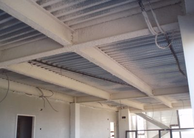 Ignifugación de estructuras metálicas y forjados en Perlita y vermiculita. Hospital de Leon (2)