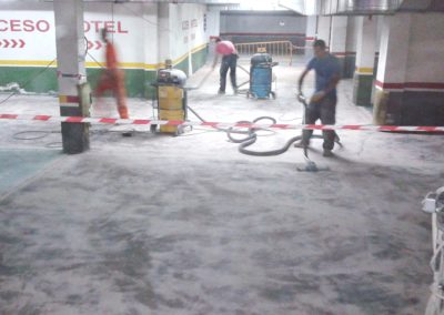 Rehabilitación de solera de garajes en resinas antipolvo y de alto brillo. La Chantria (1)