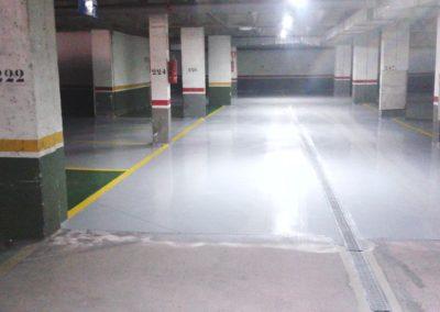 Rehabilitación de solera de garajes en resinas antipolvo y de alto brillo. La Chantria